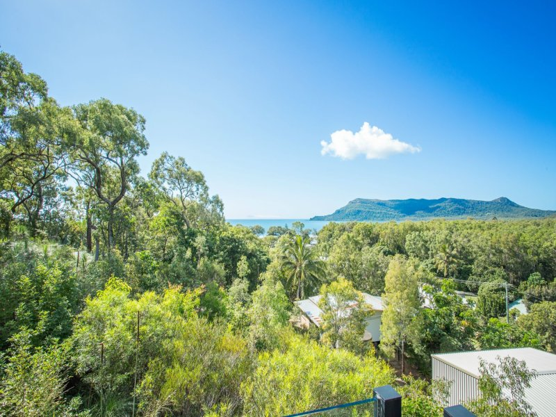 26-28 Milkins Street, Ball Bay, Qld 4741