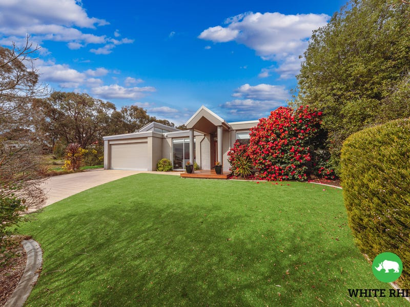 8 Carolyn Jackson Drive, Jerrabomberra, NSW 2619