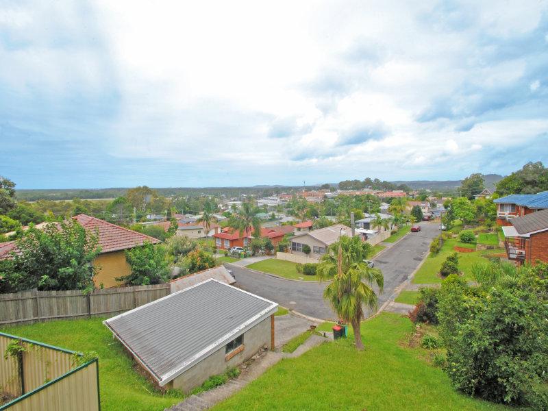 17 Arthur Drive, Wyong, NSW 2259