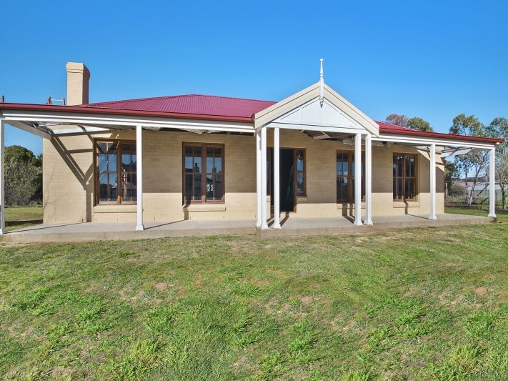 32 Brooklands Street, Crookwell, NSW 2583