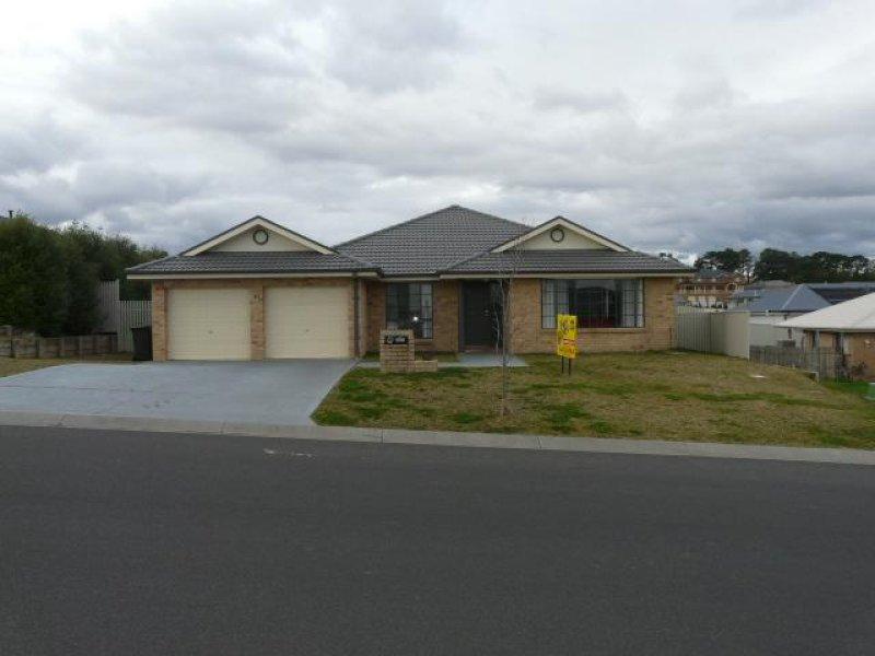 61 Hughes Street, Kelso, NSW 2795