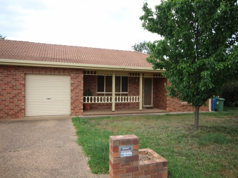 1/26 Grevillea Crescent, Lake Albert, NSW 2650