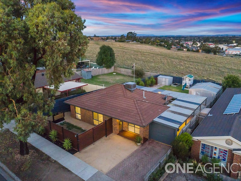 21 Kingsley Drive, Sunbury, Vic 3429