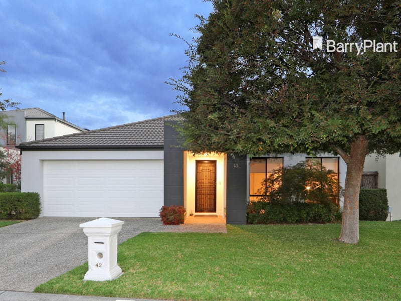 42 Sovereign Manors Crescent, Rowville, Vic 3178