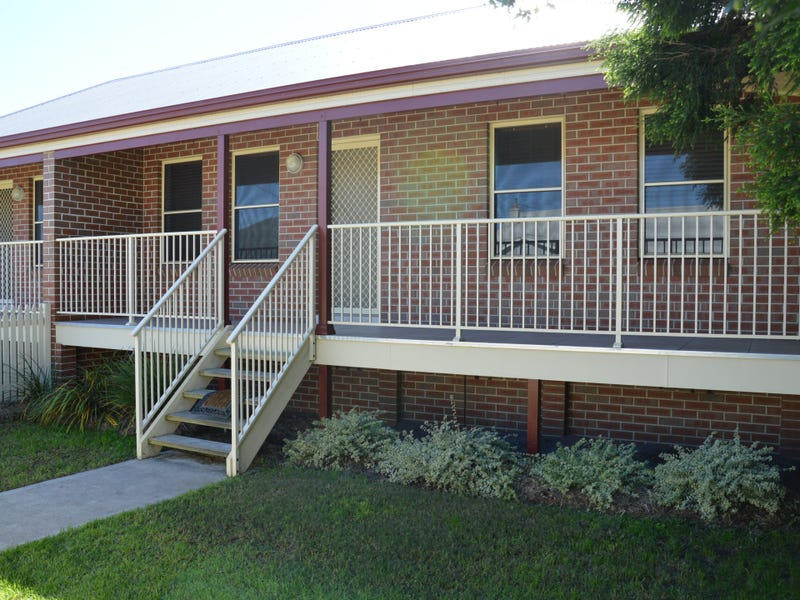 2/26 Castlereagh Street, Singleton, NSW 2330
