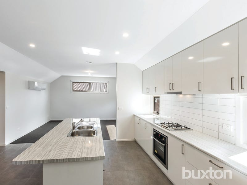 114 Brougham Street, Soldiers Hill, Vic 3350