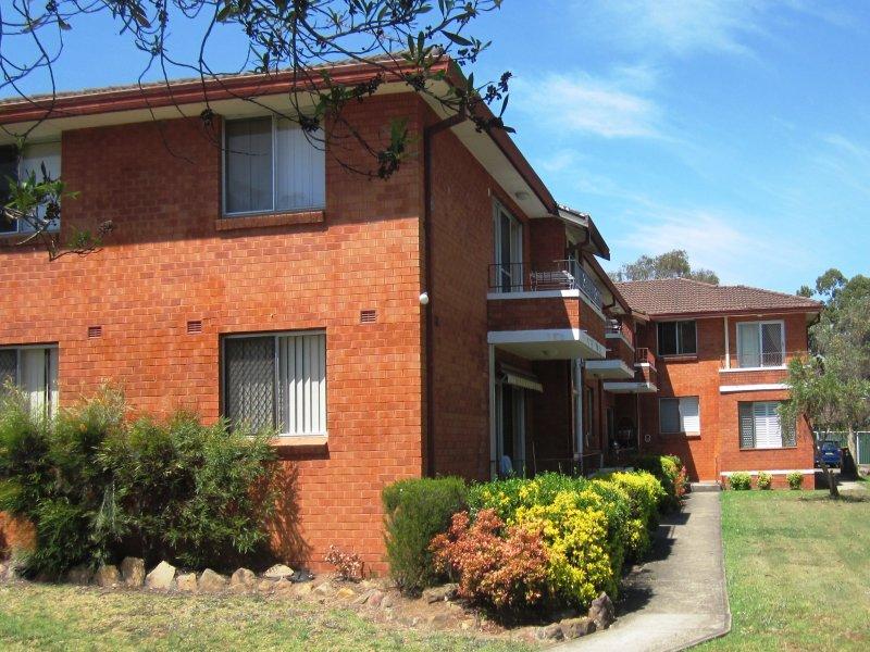 4/25 Trafalgar St, Glenfield, NSW 2167