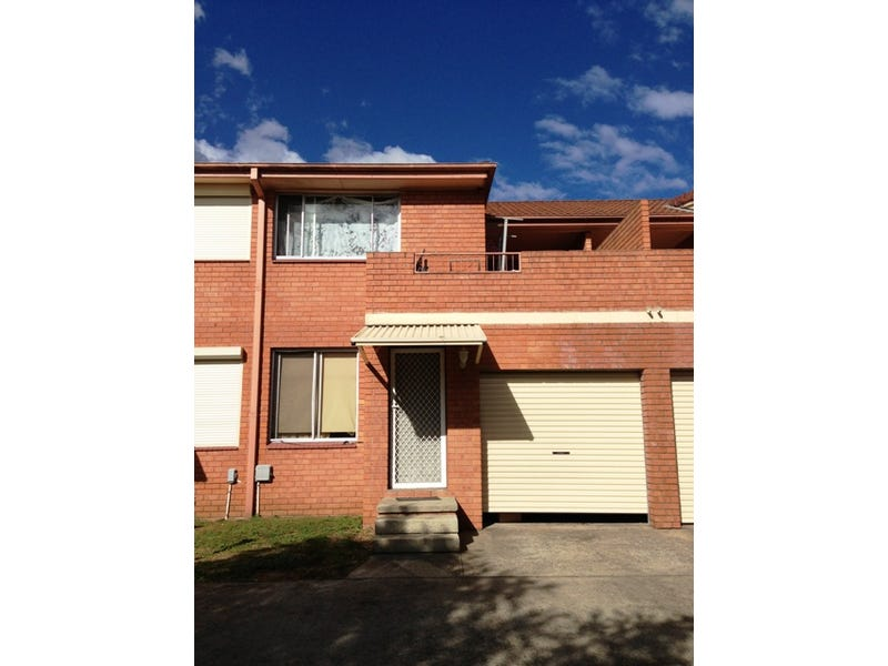 2/14 Bunbury Close, Macquarie Fields, NSW 2564