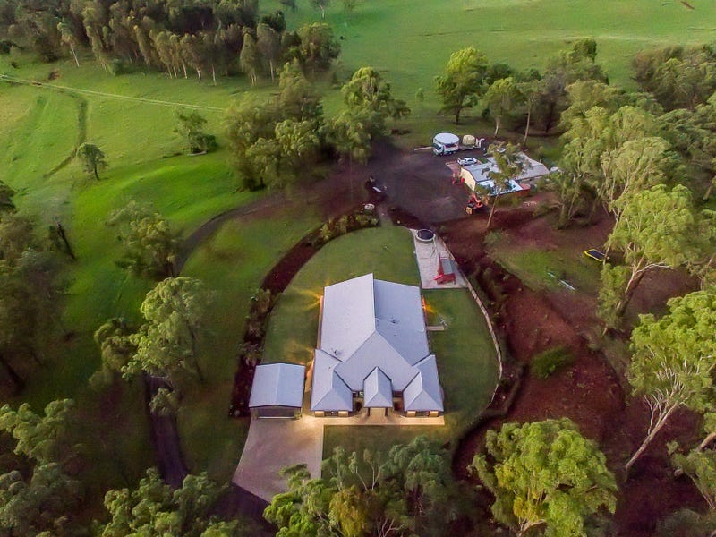 9182 New England Highway, Merritts Creek, Qld 4352