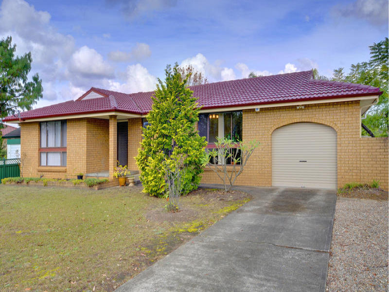 1 Paul Close, Hornsby Heights, NSW 2077