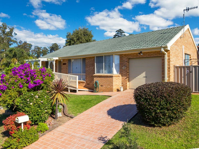 22 Blaxland Crescent, Sunshine Bay, NSW 2536