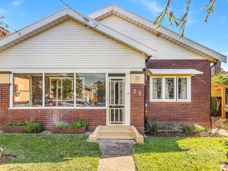 25 Prince Edward St, Carlton, NSW 2218