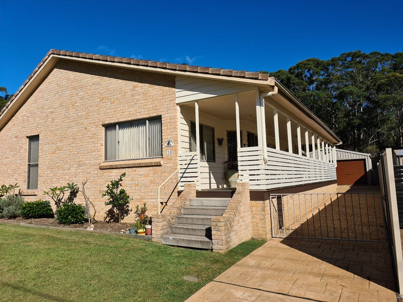 13 Lakeshore Parade, Sussex Inlet, NSW 2540