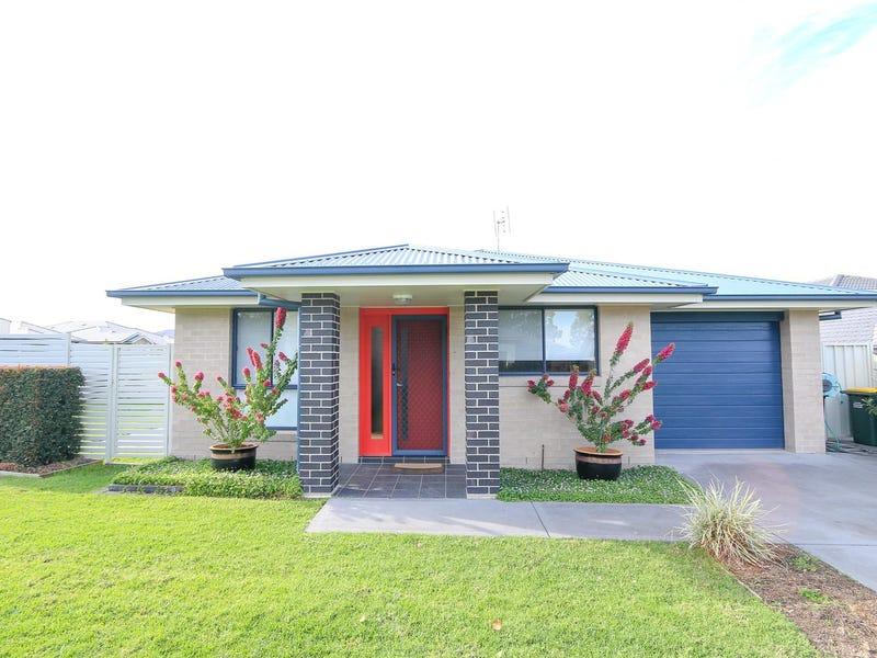 1/33 Broomfield Crescent, Singleton, NSW 2330