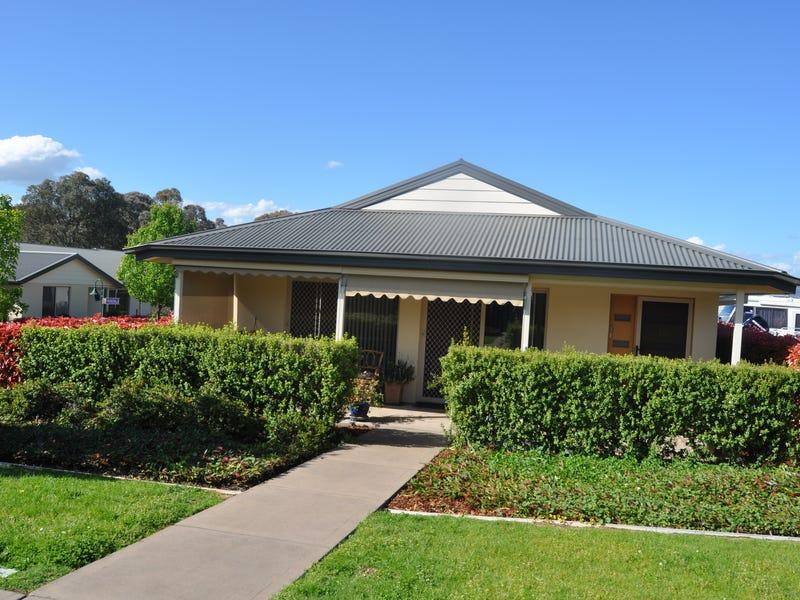 10/84 Currawong  Road, Tumut, NSW 2720