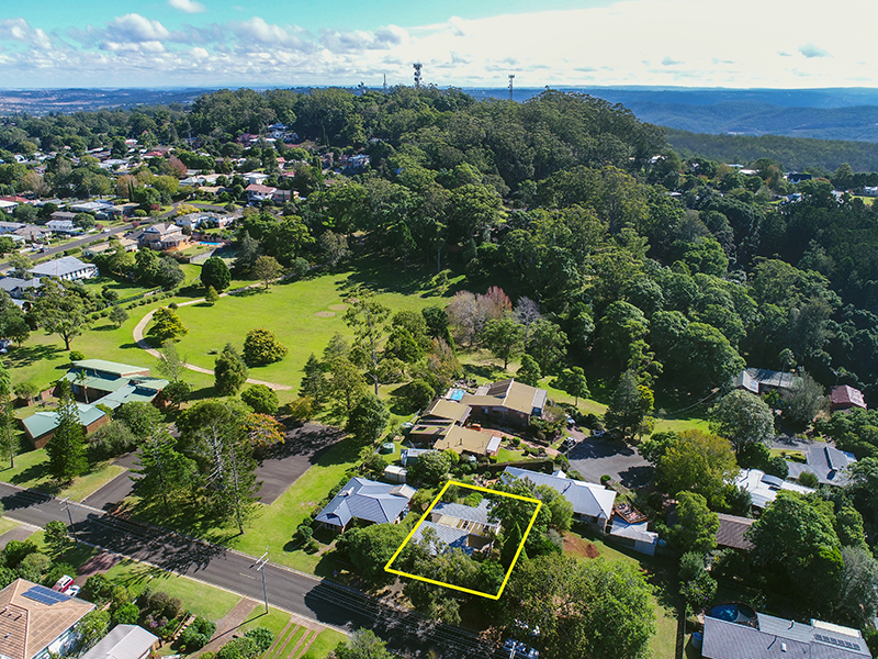 23 Jellicoe Street, Mount Lofty, Qld 4350