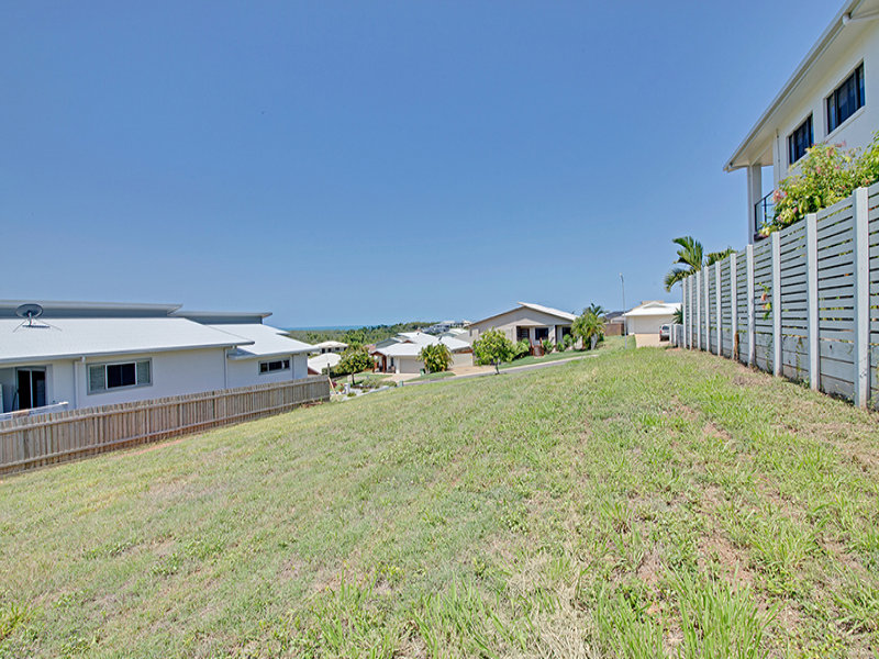 14 Barrington Court, Pacific Heights, Qld 4703