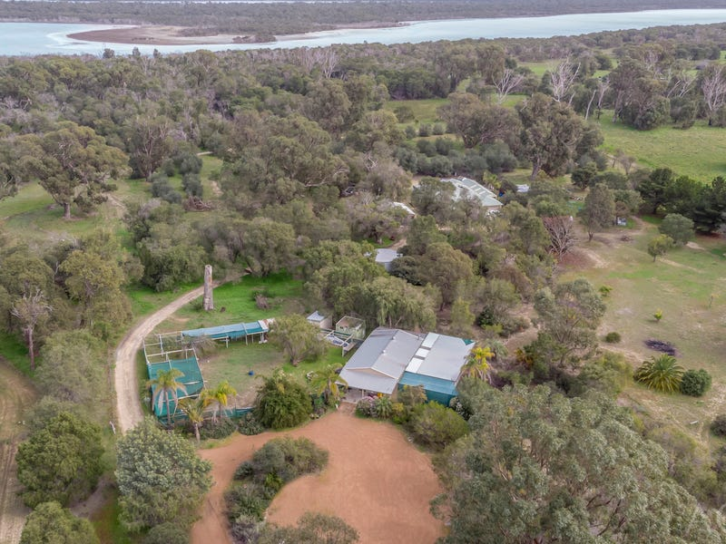 14 Holmes Road, Lake Clifton, WA 6215