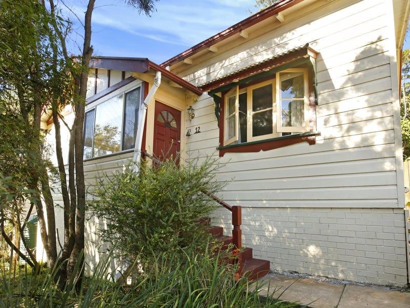 12 Payne Street, Mangerton, NSW 2500