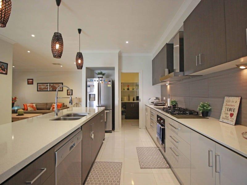 29 Highvale Cres, Berwick, Vic 3806