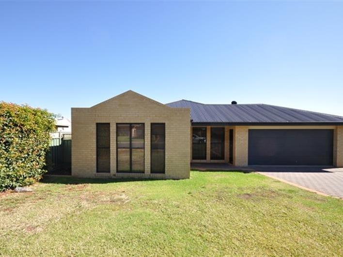 21 Dunheved Circle, Dubbo, NSW 2830