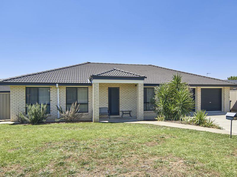 57 Grinton Avenue, Ashmont, NSW 2650