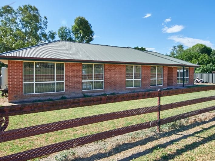 Address available on request, Oura, NSW 2650