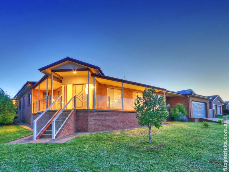 10 Fisher Place, Lloyd, NSW 2650