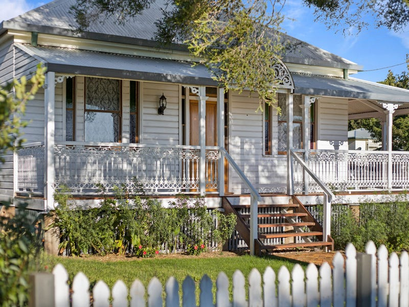 16 Prospect Street, North Toowoomba, Qld 4350