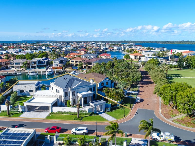 1-3 Queen Guineveres Place, Sovereign Islands