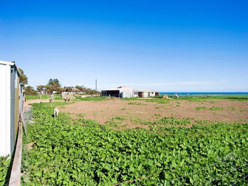 500, crn Hopgood Road and Point Riley Road, Wallaroo, SA 5556