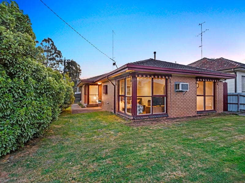 318 Main Road, Golden Point, Vic 3350