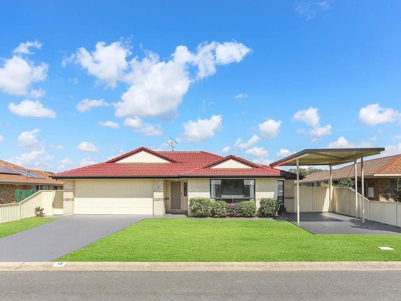 15 Rosnay Court, Banora Point, NSW 2486