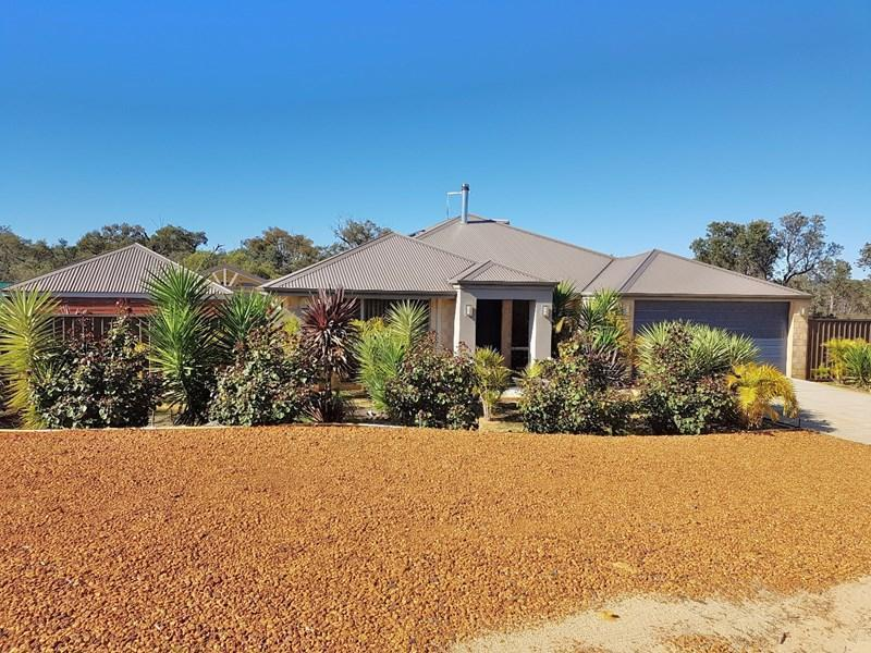 153 Rosewood Drive, Chittering