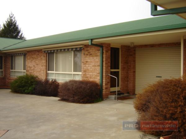 2/6 Mangaroo Avenue, Tumut, NSW 2720
