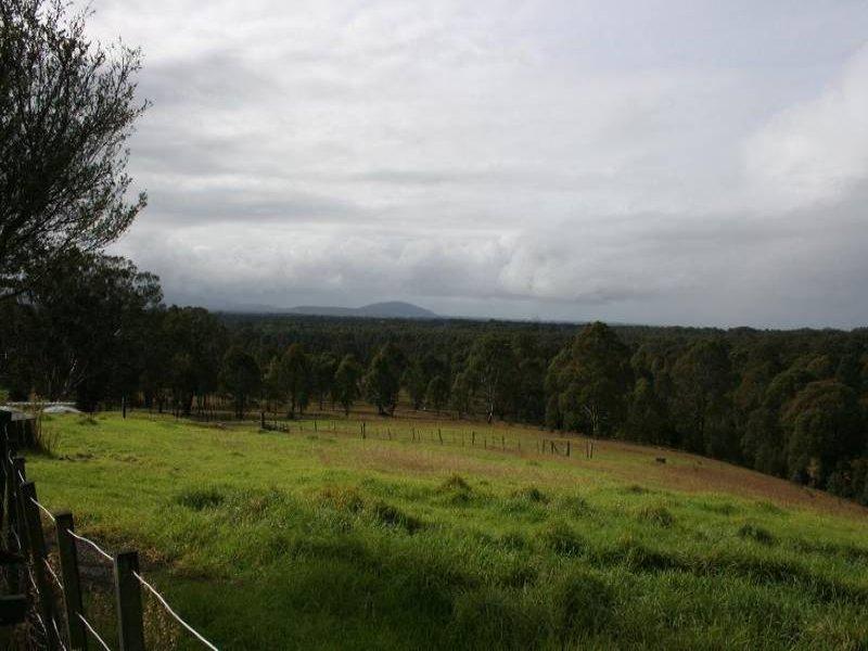 384 Albatross Road, Nowra Hill, NSW 2540