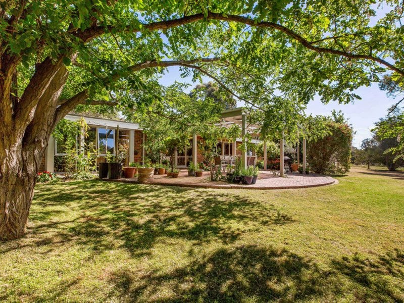 20 Sandy Point Road, Somers, Vic 3927