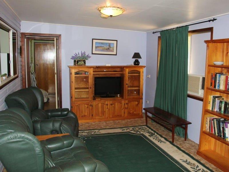 62 Burrell St, Yelarbon, Qld 4388