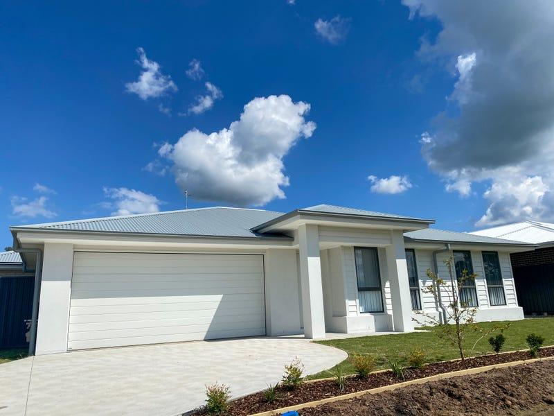 14 Aston Martin Drive, Goulburn, NSW 2580