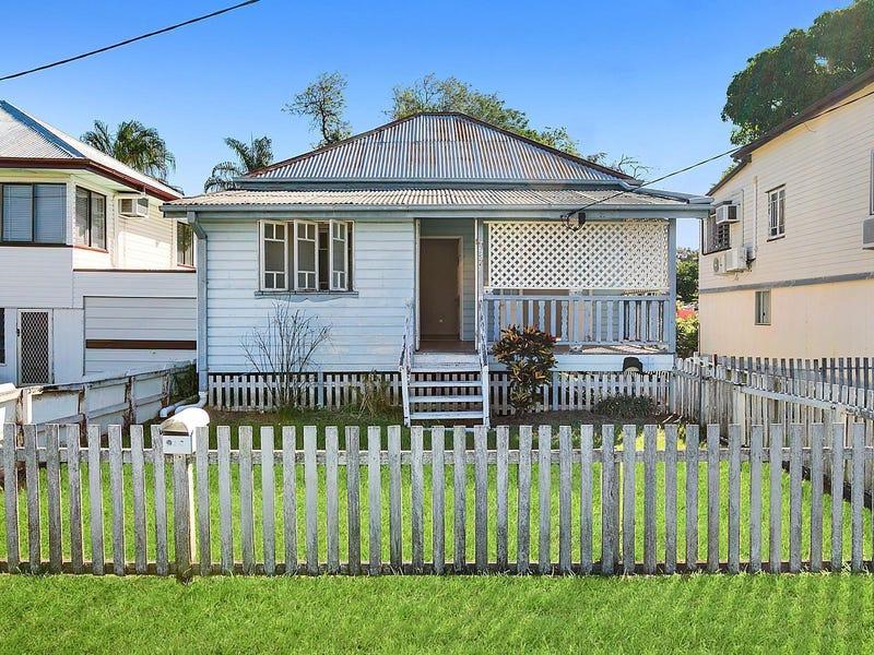 322 East Street, Depot Hill, Qld 4700