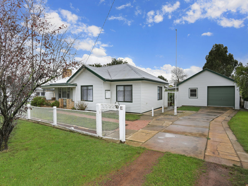 30 Station Street, Glenthompson, Vic 3293