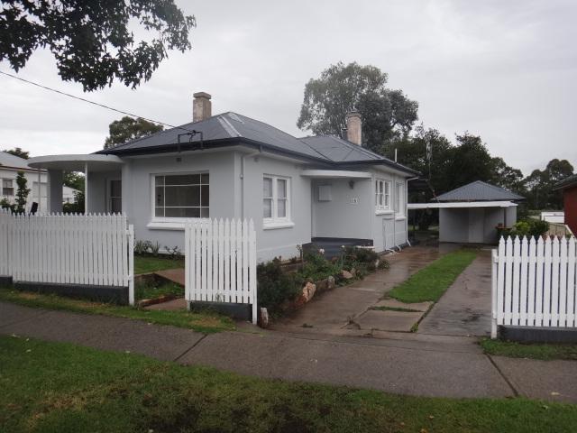 18 Russell Street, Bathurst, NSW 2795