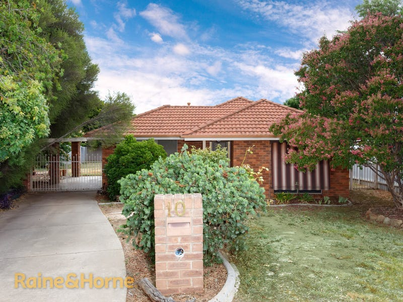 10 Harrier Street, Estella, NSW 2650