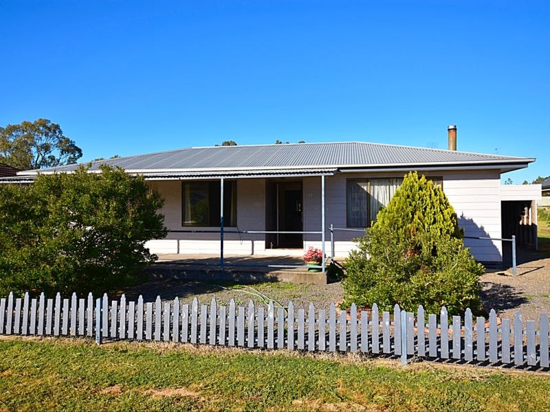 17 Thomas Street, Dunolly, Vic 3472