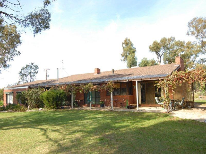 144 Racecourse Road, Deniliquin, NSW 2710