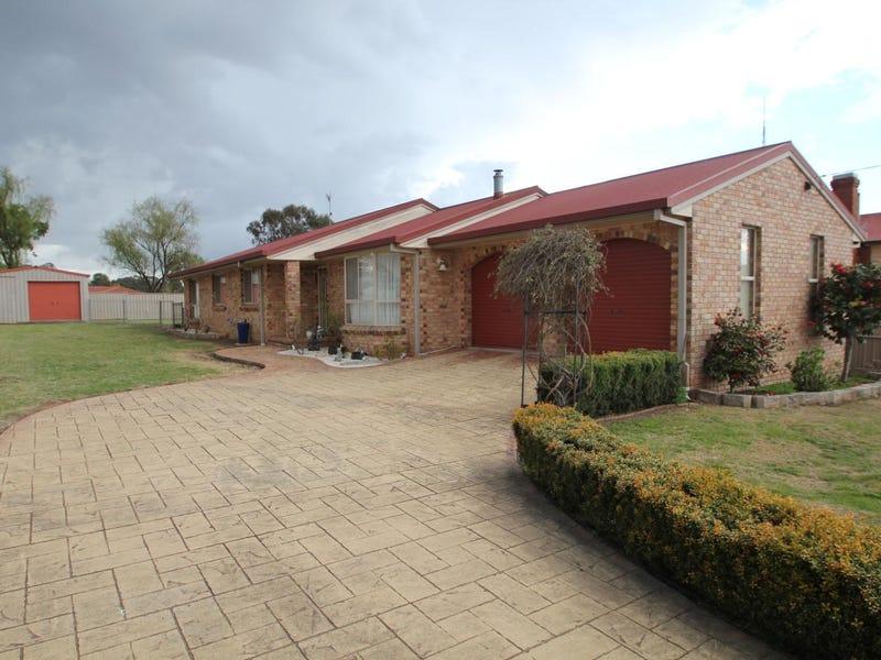 30 Railway Street, Tenterfield, NSW 2372