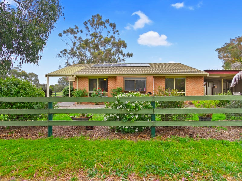 35 Weir Road, Cowwarr, Vic 3857