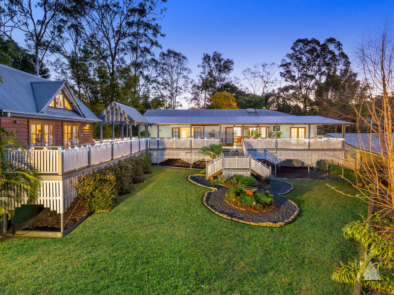 10 Dolman Road, Anstead, Qld 4070