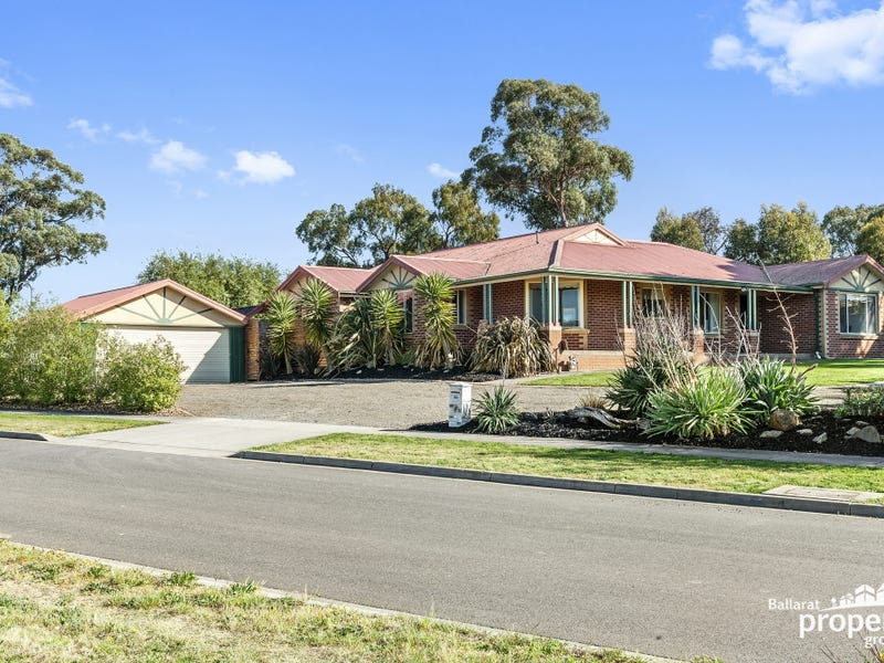 15 Rattray Court, Canadian, Vic 3350