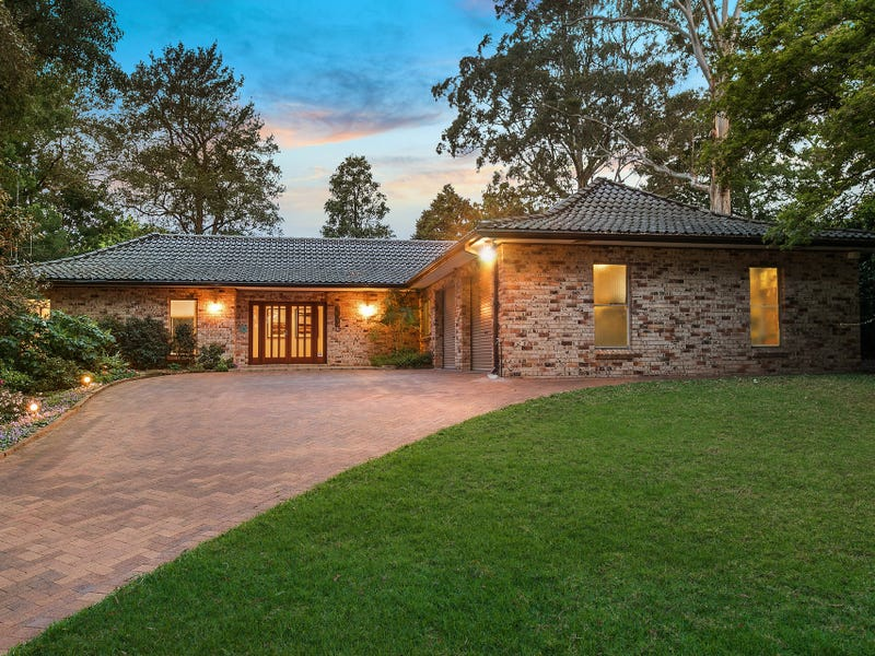 17 Banool Avenue, St Ives, NSW 2075